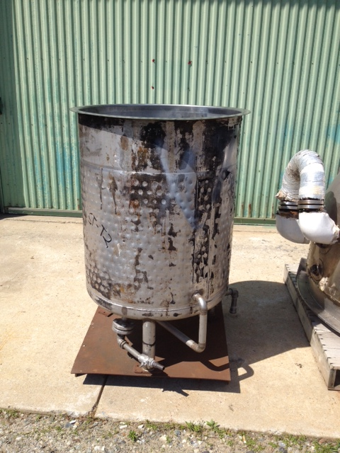 used 100 gallon Stainless Steel tank. Built by Bendel. Open top and dish bottom. Has (4) Baffles inside.  30\