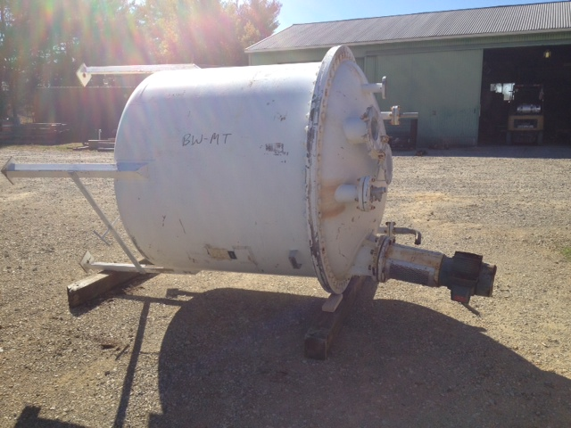 used 800 gallon 316 Stainless steel mix tank. 5'6