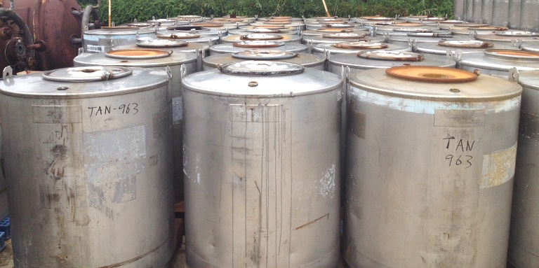 (20) used 330 Gallon Stainless steel IBC Tanks/Totes. Built by Custom Metal Craft. Transtore Transportable storage systems. Flat top with center lid and cone bottom with 2