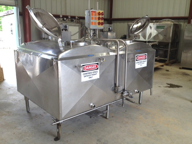 ***SOLD***used 300 Gallon Cherry Burrell (2) Compartment Flavor Tank. (2) 300 gallon compartments. Each compartment equipped with 0.5 HP, 240/480 volt mixer and spray ball. 2
