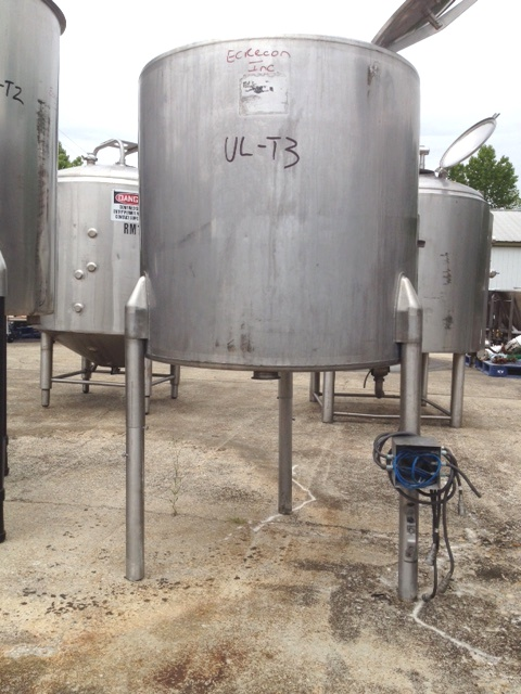 used 175 Gallon Stainless Steel tank. Chem-Tek. 3'2