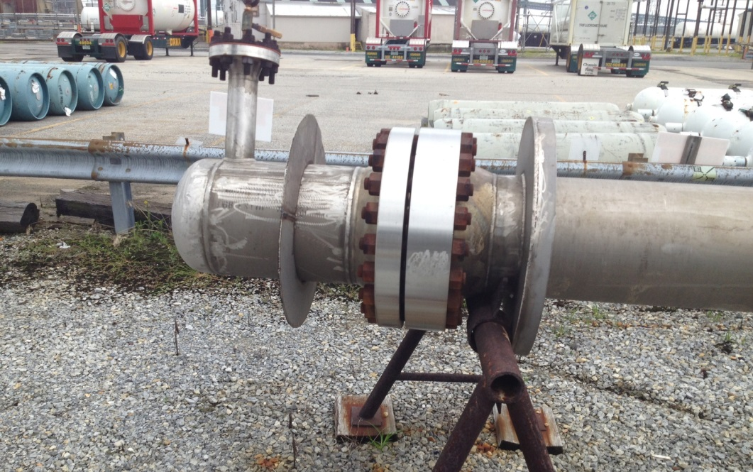 Approx. 500 Sq.Ft. INCONEL 600 (high Nickel Alloy) Shell and Tube Heat Exchanger. (105) 3/4