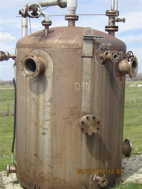 1500 Gallon Stainless Steel Pressure Vessel. Dish top. Flat bottom with 4