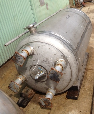 ***SOLD***250 Gallon, 316 Stainless steel Pressure vessel rated 60 PSI @ 100 F.  Wall is 0.1875