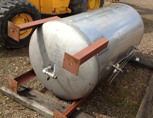 ***SOLD***275 Gallon, Stainless steel Pressure vessel rated 60 PSI @ 210 F.  Vertical on legs. 316 Stainless Steel stamped on heads.  7' overall height.