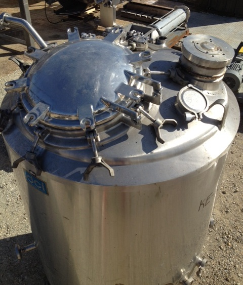 ***SOLD***300 gallon Stainless steel jacketed reactor vessel. Rated 42/FV PSI. Sanitary type/sanitary finish.  Jacket rated 135 PSI @ 360 degF.  Has spray ball and aeration system.