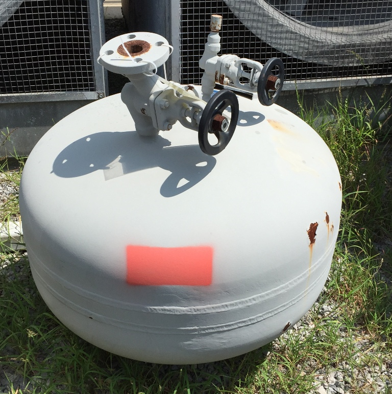 used 40 gallon high pressure vessel/ high pressure tank.  Rated MAWP 500 PSI @ 300 degrees F, MDMT. -20 degrees F @ 500 PSI.  4