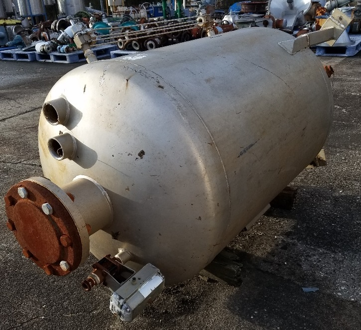 used 120 Gallon Stainless Steel vessel.  Rated 75  PSI @ 350 Deg.F. 2'6