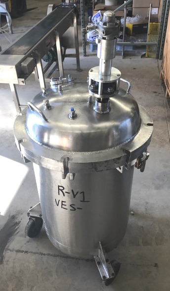 ***SOLD*** 30 Gallon Sanitary Stainless Steel Mix vessel.  Built by B&G Machine.  Rated 60 PSI @ 200 Deg.F. 18