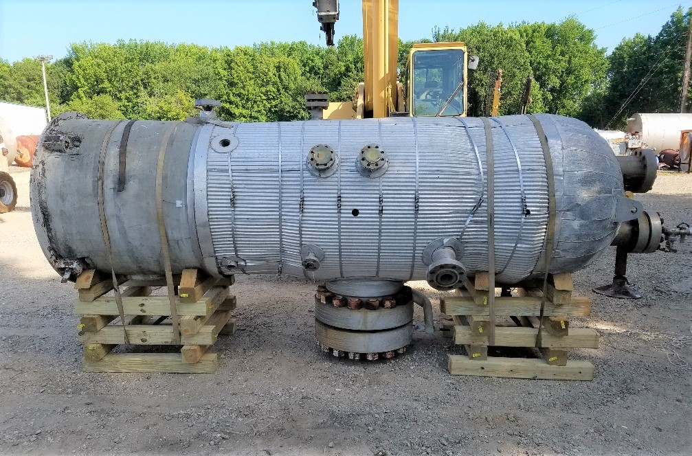 used 900 Gallon, 2100 PSI, 316L Stainless Steel High Pressure vessel. Rated 2100 PSI@ 725 Deg.F. 4' dia x 7' T/T (17'3