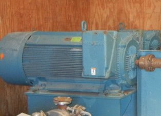 (2) Unused 700 HP, 3580 RPM, 4160 volt, 60 Hz Siemens electric motors. Name Plate info. Serial numbers 0958313-010-1 and -2. HP: 700; Amps: 837; 