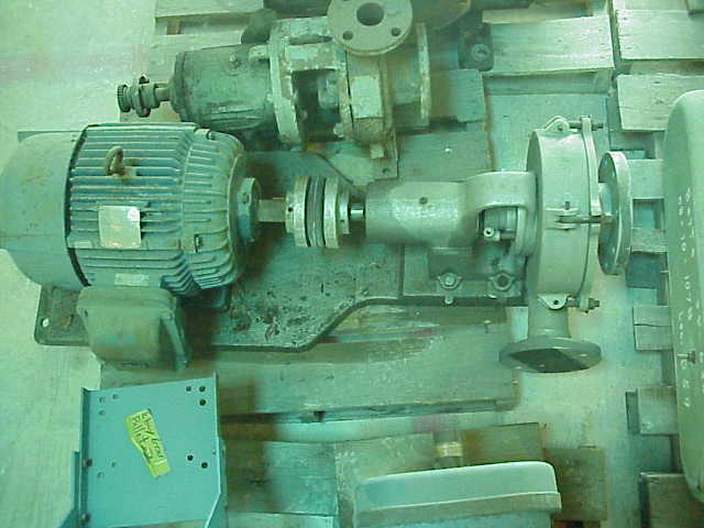 Driven by 7.5 HP, XP (explosion proof), 1160 RPM, 460V, 10.6 Amp, SF 1.15, Westinghouse MAC motor.