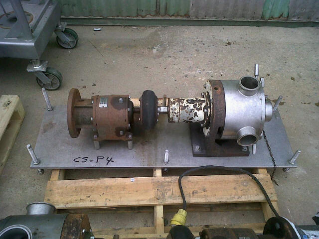 used Sine/Kontro pump Model MR-135NNTC Pump.  Pump Rated 138 GPM @ 150 PSI. Requires a 3 HP, 208-230/460 volt, 1725 RPM motor (N/A).  The gear is a 4.1:1 Gear for 427 RPM output. Last used in Food (sanitary) application on Pudding product. Pump used in low shear applications and has Powerful suction even for viscous products.