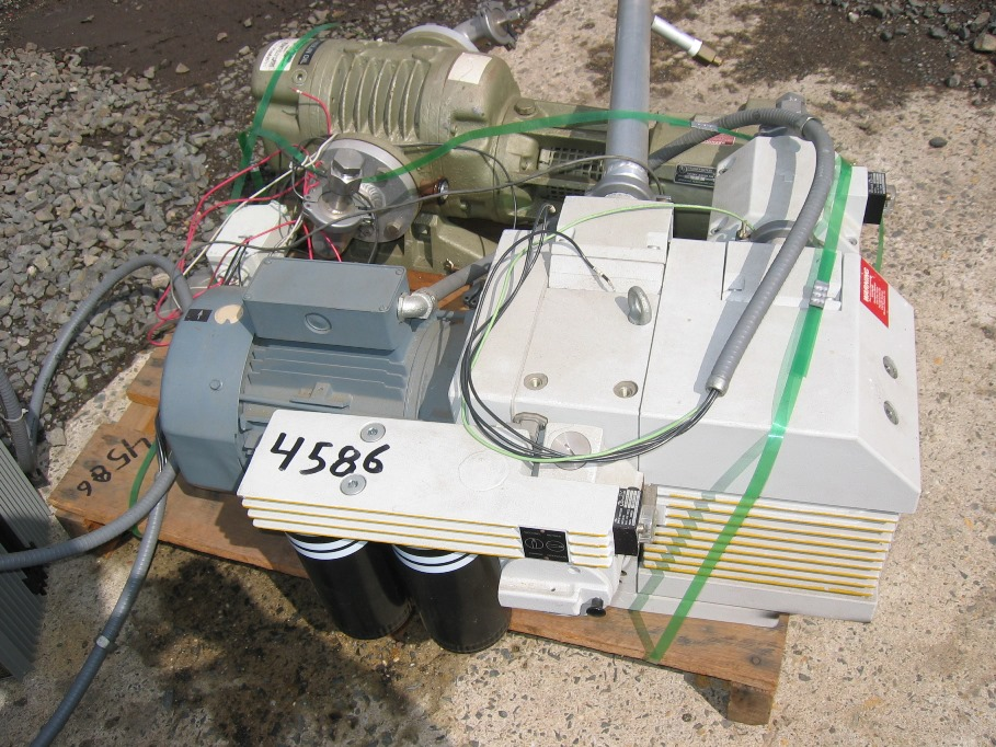 Used 33 CFM Leybold-Hereaus Trivac Type D40 BCS Pump, LHVP cat # 91389-2, 3HP. With Ruvac Blower, Model WA-250, 1.5 HP, 230/460V. Skid mounted, Model #LHVP, S/N: 91389-2