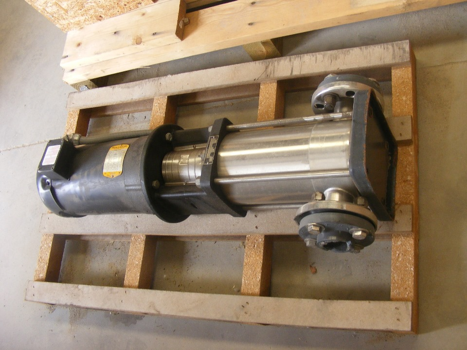 used GRUNDFOS model CRN16-30 pump with 7.5 HP 208-230/460 volt, 3450 RPM motor. Rated 84 GPM @ 157' hd. 230 PSI @ 250 Deg.F max.