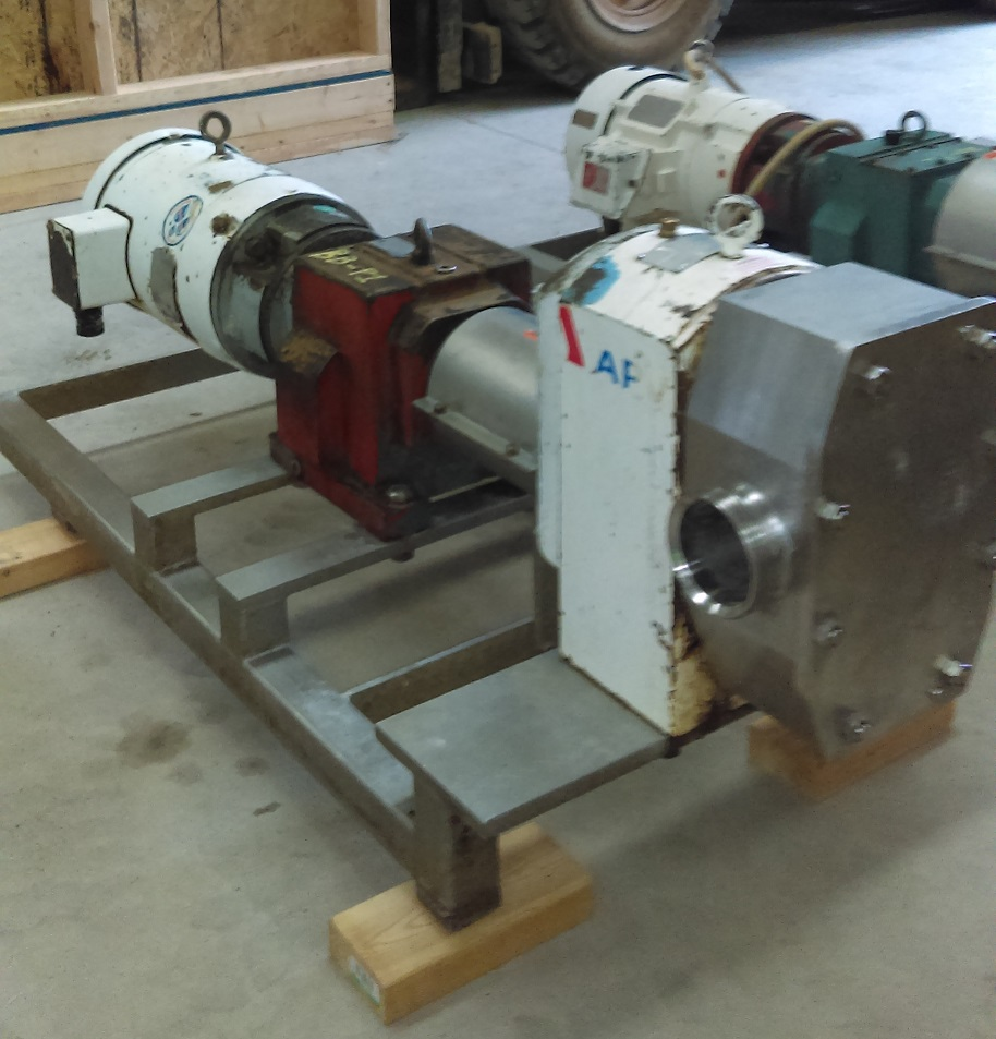 APV model R6BS Rotary lobe pump. 3