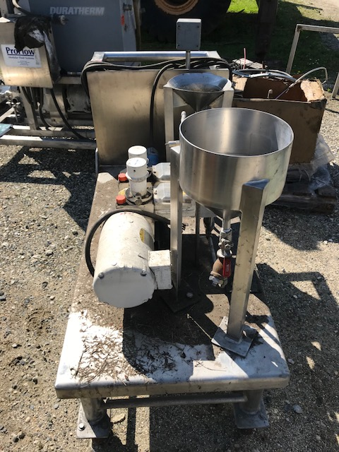 used Braun Luebbe Model N-P32 metering pump system. Unit maunted on cart. Job # 513005003-1000.  Mach # 5100628. 3/4 HP, 208-230/460 volt, 1725 rpm.