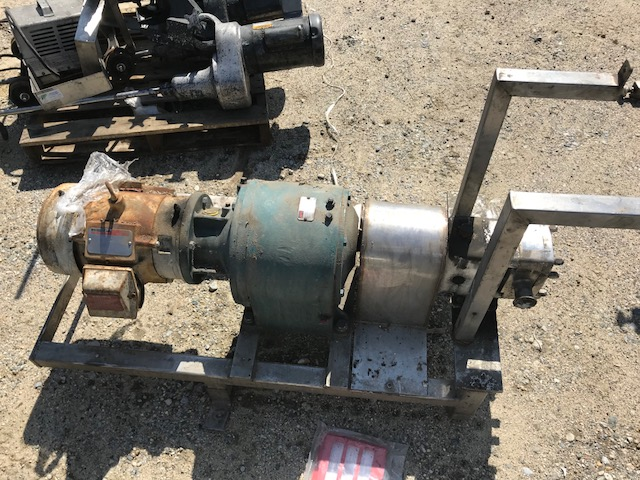 used APV Model M1-02100 Rotary Lobe pump. Rated 960 RPM. 145 PSI. Has 5 HP, 1745 rpm, 208 volt motor into Dodge 38.4:1 reducer. S/N P-7590-1297.