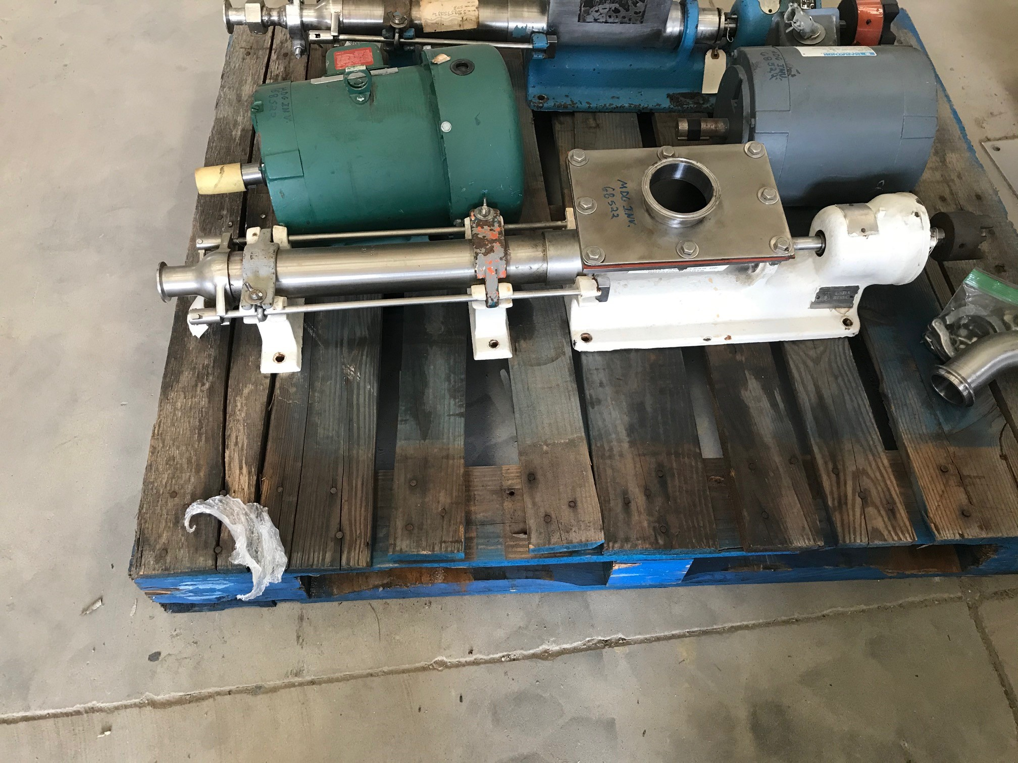 used Moyno Sanitary Pump Model 3FGJ3SSV. Inlet is 8
