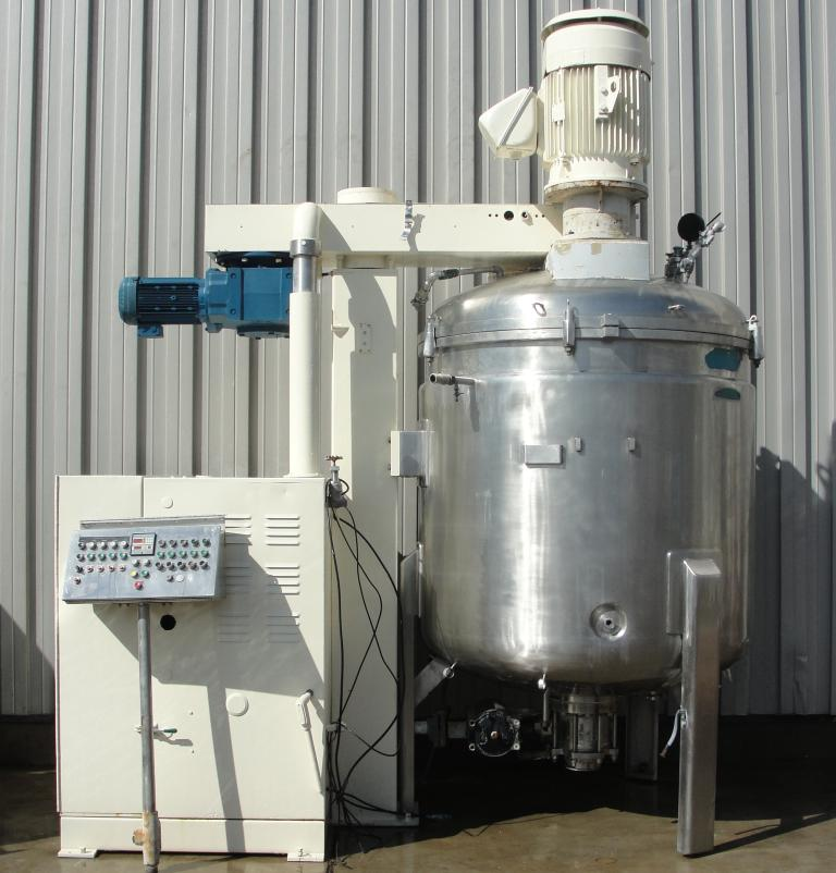 2400 Liter working capacity Fryma model VME 2400 vacuum mixer (~650 gallon), triple shaft, tri-shaft mixer. Fabrication # M10510. The tank has an overall height is 101