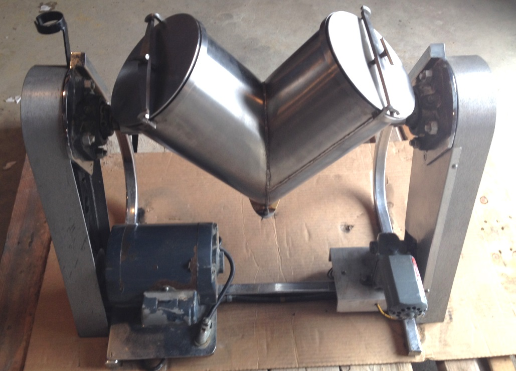 8 Qt. used, Patterson Kelley Twin Shell, Liquid-Solids Blender.  Stainless Steel.  Unit has drive and provision for intensifier bar (bar not included). Bar drive is 3/4 HP, 3450 RPM, 115/230 v, 1 ph. Blender drive is 1/15 HP, 115 volt.  Approx blender speed is 25 RPM. Laboratory blender, pilot scale blender.