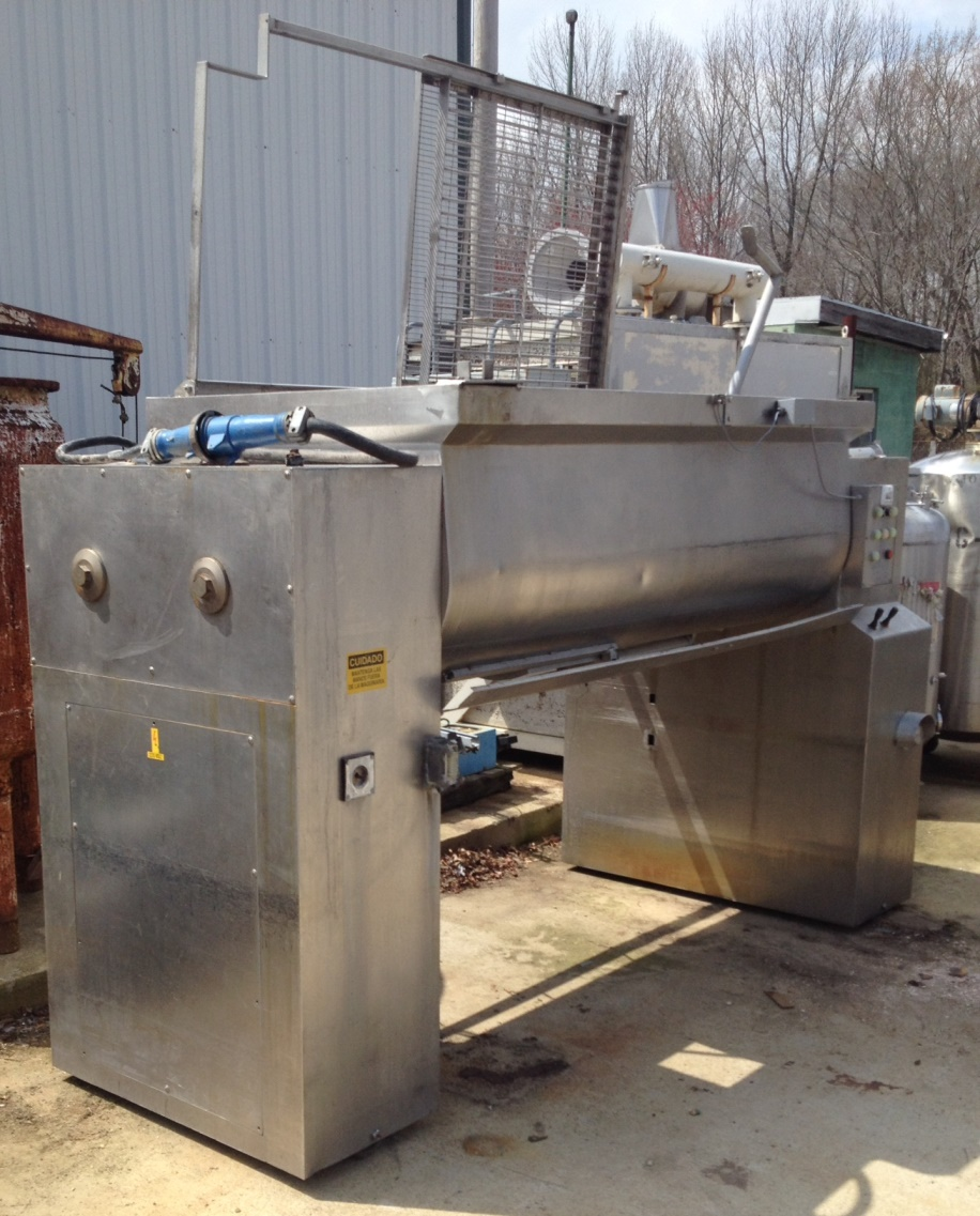 used twin shaft Paddle Blender. Approx 40 Cu.Ft. (300 gallon). Trough is approx. 6'7