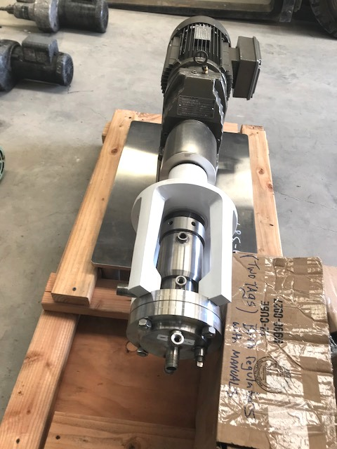 unused OAKES Model 4MBH31A High Shear, Bearing Housing Mixer. Hastelloy Contact parts. 1/2