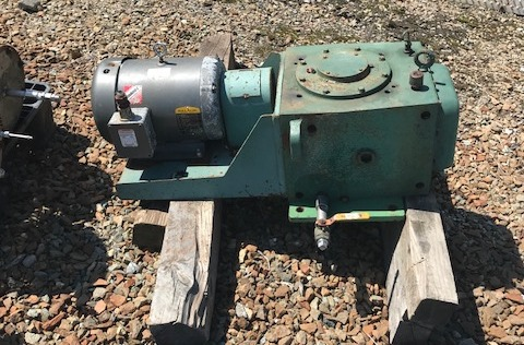Used 3 HP Lightnin Agitator Drive. Model 72Q3.  Ratio 21:1. 3 Hp, 208-230/460 volt, 1160 rpm motor.