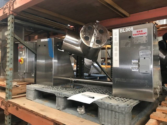 used Gemco 16 Quart Twin Shell V Blender. Stainless Steel. S/N LB85662. Shells are 9