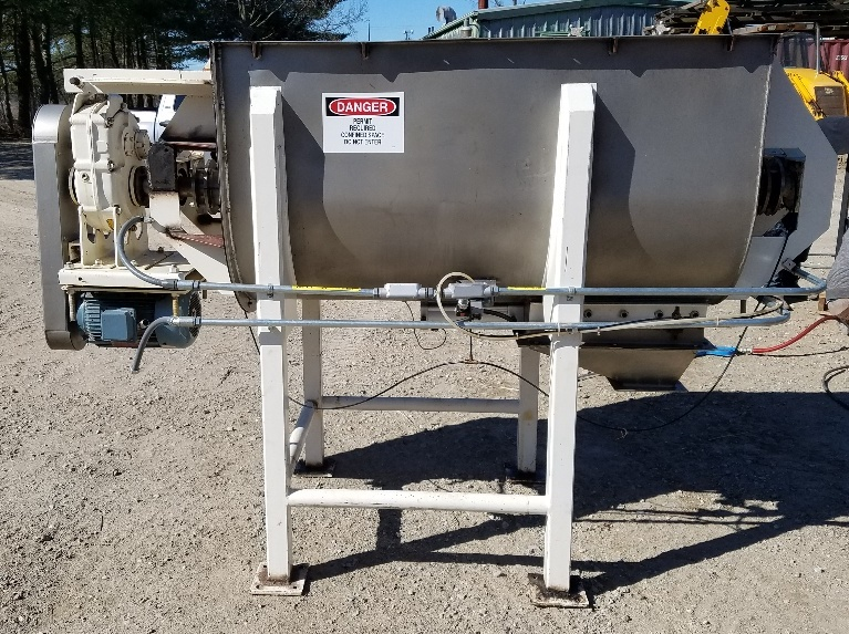 used 30 Cubic Foot Stainless Steel ribbon blender built by Hayes and Stoltz. Model HR30-1095SS. Has 10 HP, 230/460 volt, 1725 rpm motor into Dodge gear reducer.  Has approx. 7
