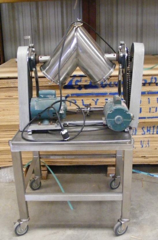 8 Qt. used, Patterson Kelley Twin Shell, Liquid-Solids Blender.  Stainless Steel.  Unit has intensifier bar. PK# LB-10231. Bar drive is 1 HP, 3450 RPM, 115/230 v, 1 ph. Blender drive is 1/4 HP, 1725 rpm 115/230 volt. Rated 250 #/cu.ft. Laboratory blender, pilot scale blender.