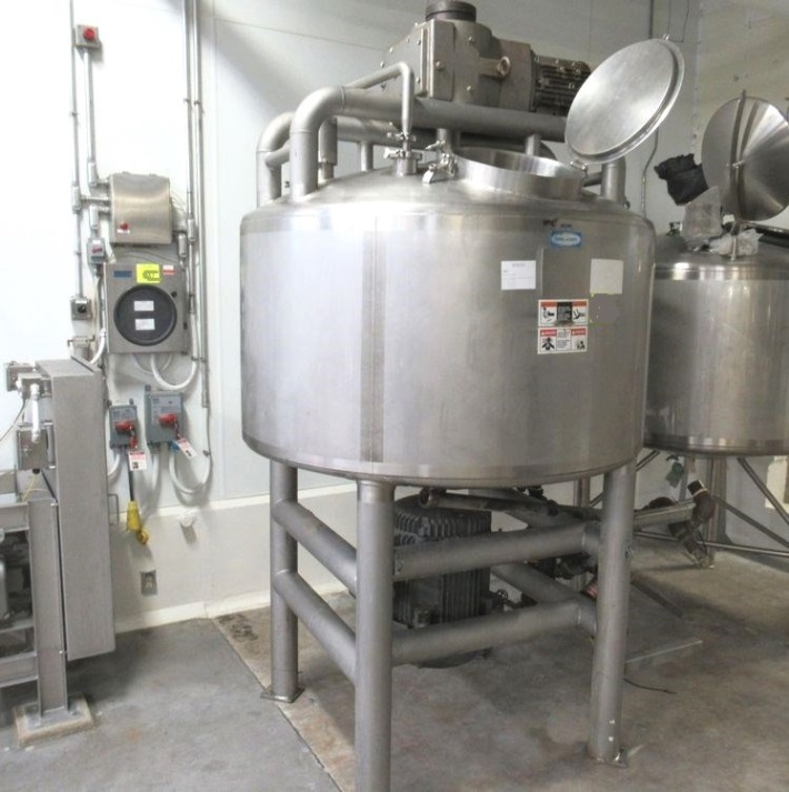 used 300 Gallon Walker Jacketed Likwifier/ Liquifier/Liquefier with Sweep Mixer.  Jacket rated 75 PSI @ 320 Deg.F. 316L Stainless Steel.  Has Top mounted 7.5 HP Mixer with scraper/sweep blades agitator on side and bottom mounted Liquifier/chop/dissolver/high shear assembly driven by 40 HP, 230/460 volt, 1775 rpm motor. 32