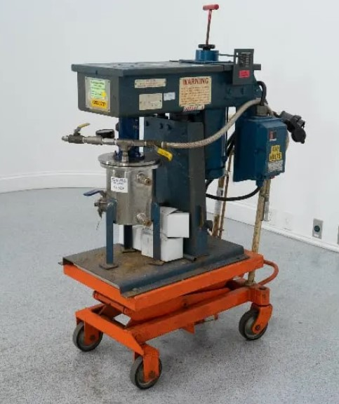 used Hockmeyer 2L High Speed Lab Vacuum Disperser, SN: 89-6867. Model 2L.  Mixing chamber is Jacketed. Has an 2 HP, 208-230/460volt, 3 ph Explosion Proof