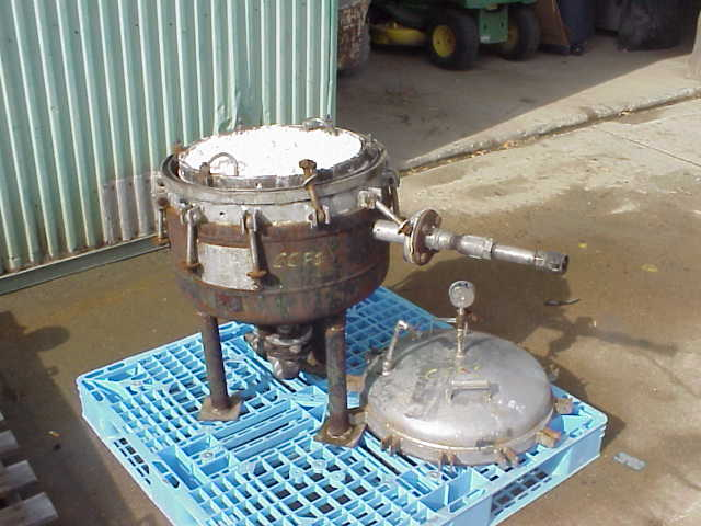 316 Stainless Steel Sparkler model 18D4 pressure filter. 316SS Rated 60 PSI @ 350. Carbon steel jacket rated 75 PSI @ 350.