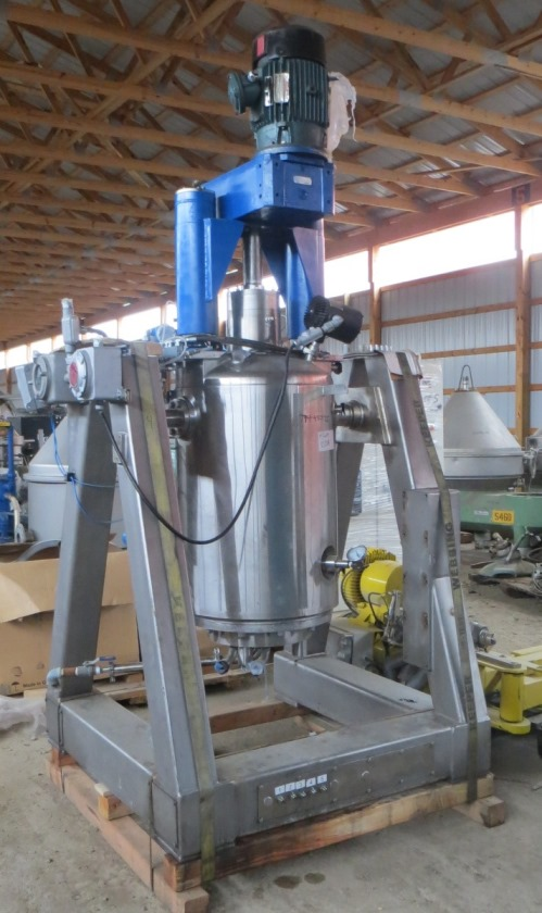 Used Rosenmund model 0.2 SQ.M jacketed Nutsche filter dryer. 316L stainless steel. 0.2 square meter filtration surface area. Rated 90 psig/full vacuum @ 350 Deg.F. 7.5 HP agitator, hydraulic bottom feeder, hydraulic agitator raise/lower, Rosenmund control system, and outboard hydraulic system.