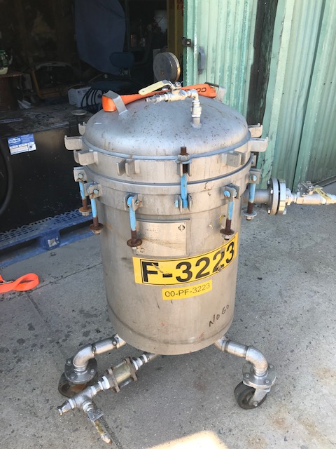 used Sparkler/pressure leaf type filter. Model 18D12. Rated 150 PSI @ 350 degF. 316 Stainlesss Steel. NB 2933. S/N 23560