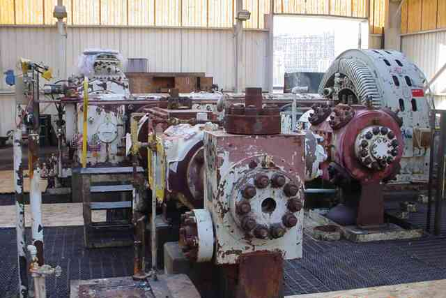(1) Ingersoll Rand CO2 Compressor. Model 4HHE-VF-5. 6000 PSI outlet, 6053 ACFM. . 15