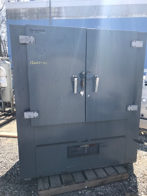 Used Despatch oven LFD series.  9 shelves - 4' wide X 2' deep on 4