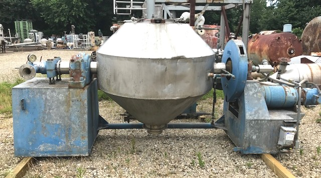 used Approx. 20 Cu.Ft. Komline Sanderson Double Cone Vacuum Dryer.  Rated 15 PSI/FV @ 250 Deg.F. Internal . Rated 45 PSI @ 250 Deg.F. Jacket. NB# 64. Drive is 5 HP 208-220/440 volt, 1745 rpm XP Vari-Speed drive.  Also has a bar drive (no bar available). (Tumble Dryer).