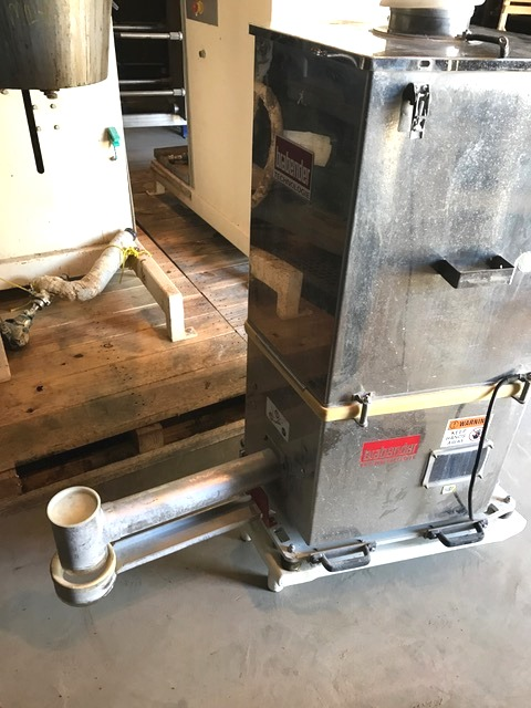 Brabender Loss-in-Weight Feeder. Model DDW-MS6-FW80/5Plus-200. Feed Screw is approx. 3.5